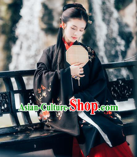 Chinese Ancient Ming Dynasty Princess Hanfu Dress Traditional Nobility Lady Embroidered Costumes for Women