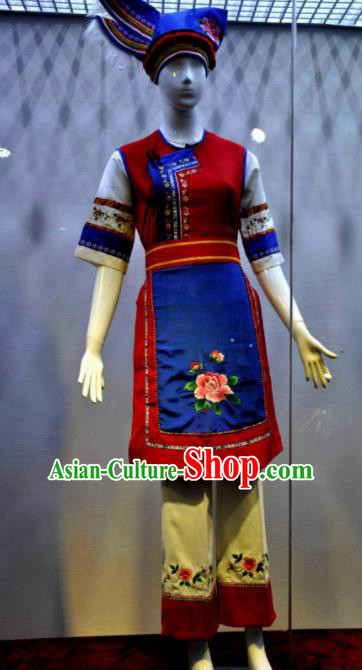 Chinese Traditional Bai Nationality Red Costumes Folk Dance Ethnic Dress for Women