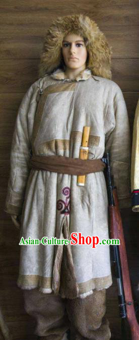 Chinese Traditional Oroqen Nationality Costumes Oroqens Folk Dance Clothing and Hat for Men