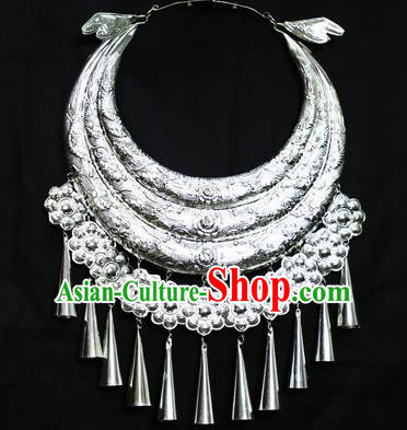 Chinese Traditional Miao Nationality Wedding Jewelry Accessories Hmong Carving Sliver Necklace for Women