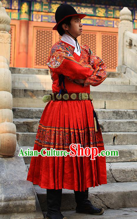 Chinese Traditional Ming Dynasty Imperial Guards Clothing Ancient Blades Embroidered Red Costumes for Men