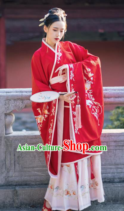 Ancient Chinese Han Dynasty Imperial Consort Costumes Embroidered Red Curving-front Robe for Women