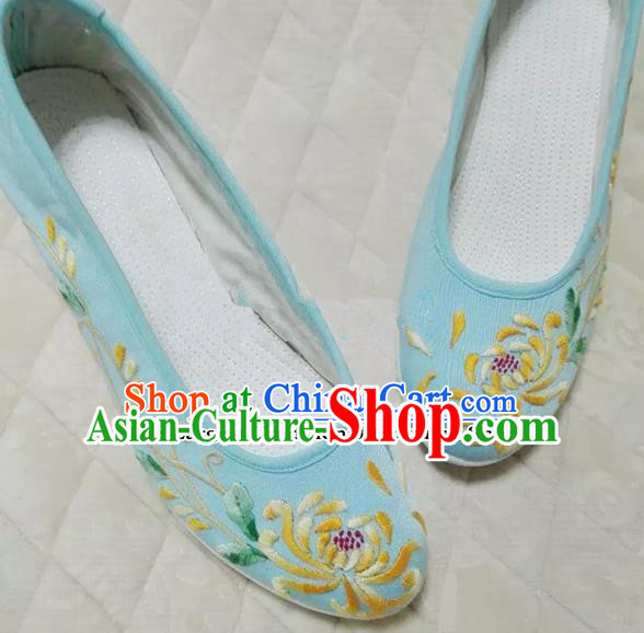 Chinese Traditional Hanfu Shoes Ancient Princess Embroidered Chrysanthemum Shoes Handmade Cloth Shoes for Women
