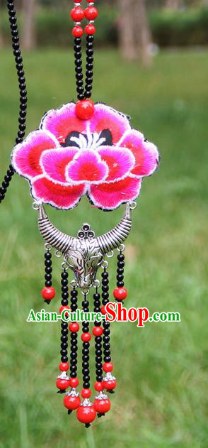 Chinese Traditional Accessories Yunnan Minority Embroidered Red Peony Sliver Ox Horn Necklace for Women