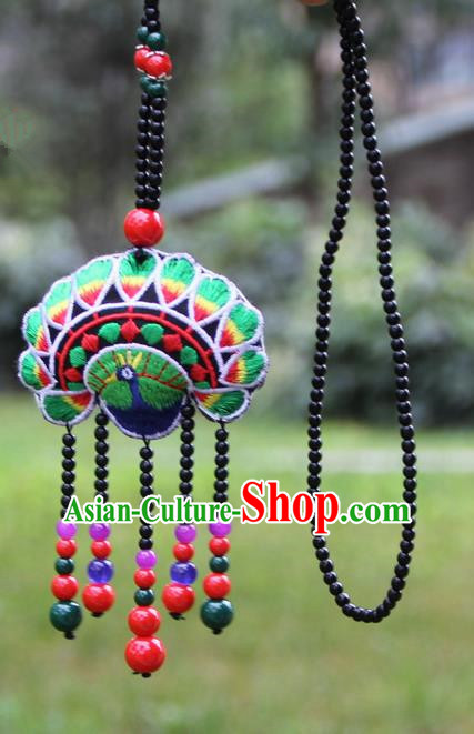 Chinese Traditional Jewelry Accessories Yunnan Minority Embroidered Green Peacock Necklace for Women