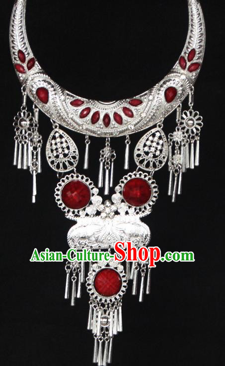 Chinese Ethnic Carving Red Necklace Traditional National Jewelry Accessories for Women