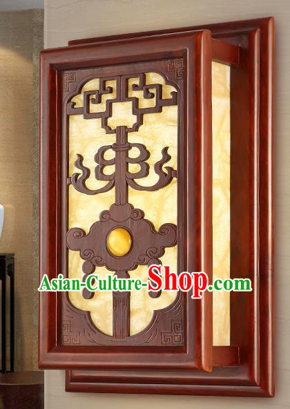 China Handmade Palace Lanterns Wall Lantern Ancient Wood Carving Lanterns Traditional Lamp