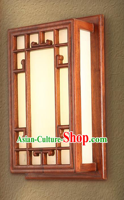 China Handmade Rosewood Carving Lanterns Palace Wall Lantern Ancient Lanterns Traditional Lamp