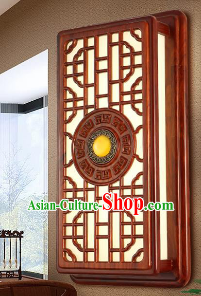 China Handmade Palace Lanterns Wood Carving Wall Lantern Ancient Lanterns Traditional Lamp