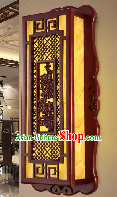 China Handmade Palace Lanterns Wall Lantern Ancient Wood Carving Chrysanthemum Lanterns Traditional Lamp