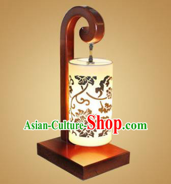 China Handmade Wood Lanterns Lotus Palace Desk Lantern Ancient Lanterns Traditional Lamp