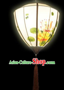 Traditional Chinese Ancient Palace Lantern Ceiling Lamp Hand Painting Lotus Lanern