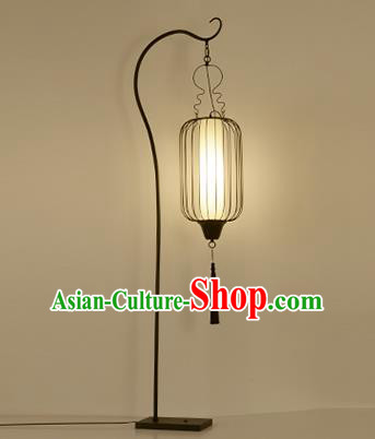 Traditional Asian Chinese Lanterns China Ancient Floor Lamp Iron Birdcage Palace Lantern
