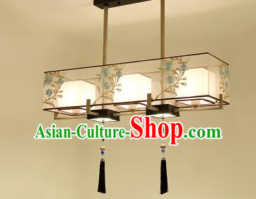 Traditional China Handmade Lantern Ancient Embroidered Three Lanterns Palace Ceiling Lamp
