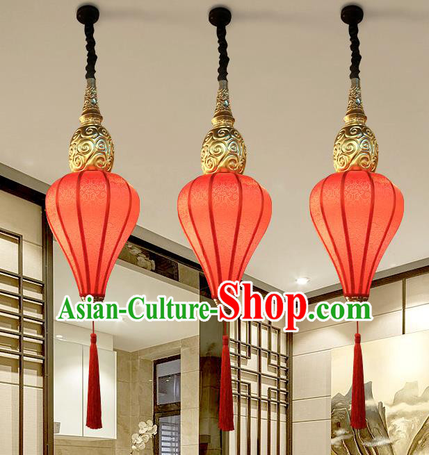 China Handmade Lantern Traditional Wedding Red Hanging Lanterns Palace Ceiling Lamp