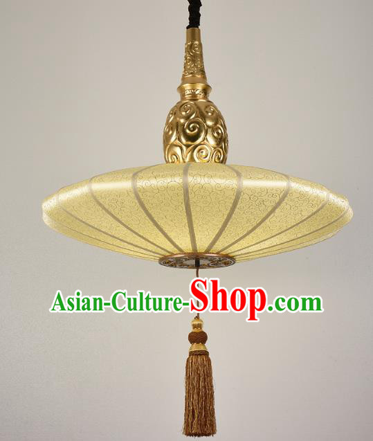 China Handmade Lantern Traditional Golden Hanging Lanterns Palace Ceiling Lamp