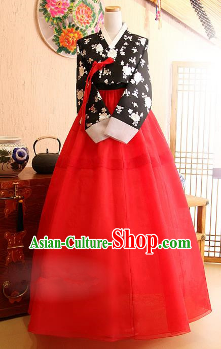 Korean Traditional Palace Garment Hanbok Fashion Apparel Costume Black Embroidered Blouse and Red Dress for Women