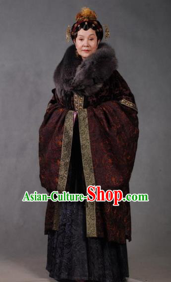 Chinese Ancient Novel Character A Dream in Red Mansions Mistress Wang Winter Costume for Women