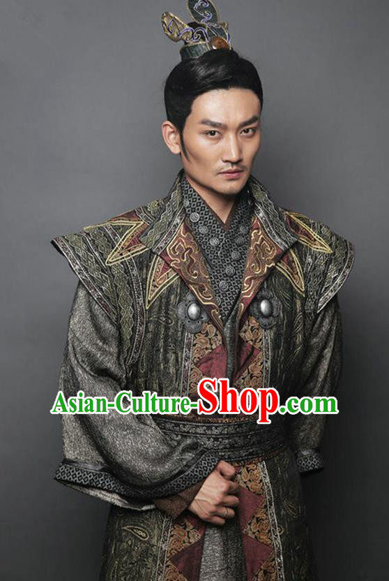 Traditional Chinese Ancient Tang Dynasty Swordsman General Replica Costume for Men
