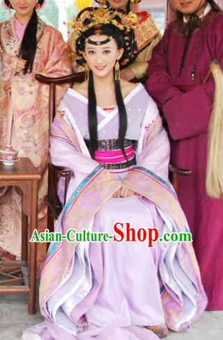Ancient Chinese Ming Dynasty Queen Historical Costume Embroidered Replica Costume for Women