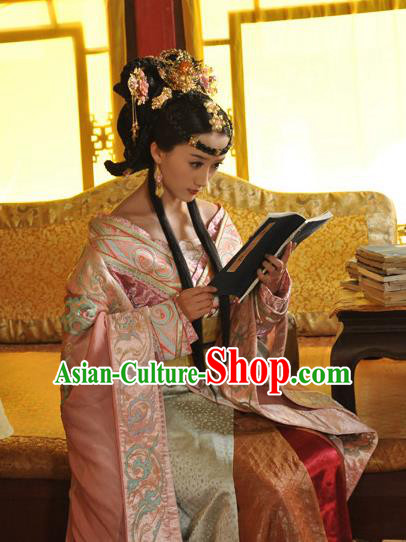 Ancient Chinese Ming Dynasty Empress Historical Costume Traditional Queen of Zhu Youxiao Embroidered Replica Costume for Women