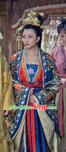 Chinese Song Dynasty Empress Wang Embroidered Dress Ancient Queen of Zhao Kuangyin Replica Costume for Women