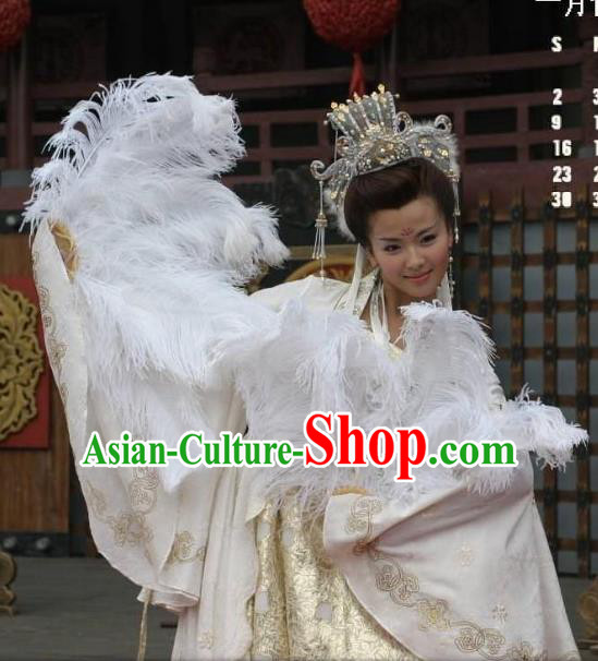 Chinese Ancient Imperial Consort of Li Yu Lady Huarui Embroidered Replica Costume for Women
