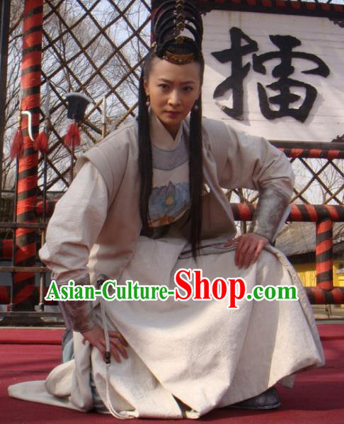 Chinese Traditional Tang Dynasty Swordswoman Hofdame Embroidered Replica Costume for Women