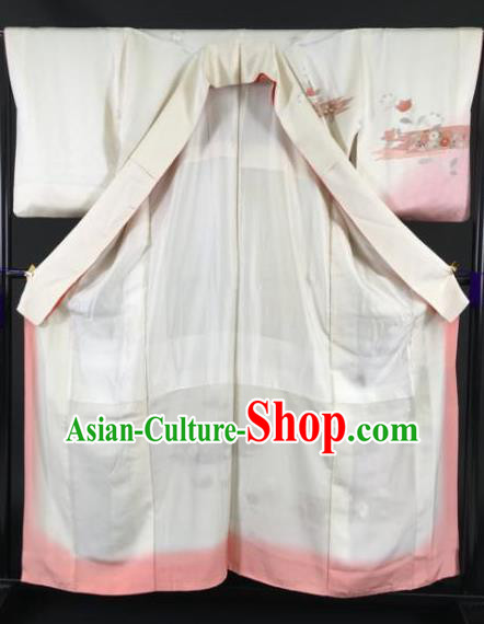 Japan Traditional Kimonos Beige Silk Furisode Kimono Ancient Yukata Dress Formal Costume for Women