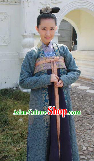 Chinese Ancient Five Dynasties and Ten Kingdoms Palace Lady Replica Costume for Women