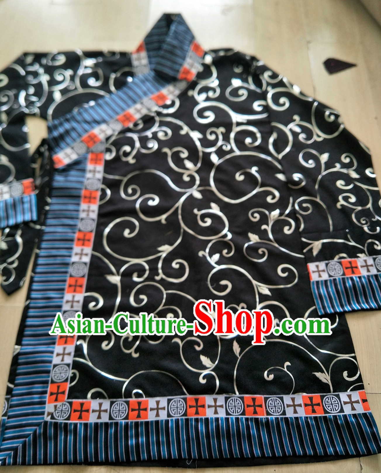 Top Traditional Tibetan Royal Long Robe for Men