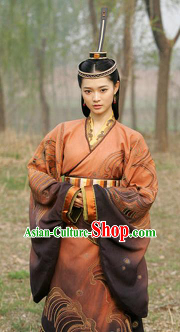 Ancient Chinese Spring and Autumn Period Qi State Palace Princess Hanfu Embroidered Replica Costume for Women