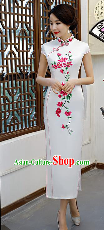 Chinese Traditional White Mandarin Qipao Dress National Costume Embroidered Silk Cheongsam for Women