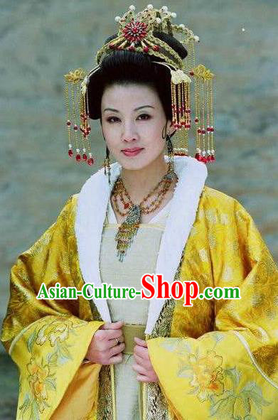 Chinese Ancient Tang Dynasty Empress Zhangsun of Li Shimin Embroidered Dress Replica Costume for Women