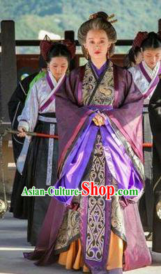 Traditional Chinese Ancient Qin Kingdom Empress Dowager Mi Yue Embroidered Replica Costume for Women