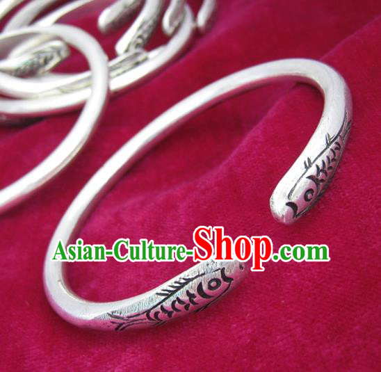 Chinese Miao Nationality Sliver Ornaments Traditional Hmong Handmade Carving Fish Bracelet for Women