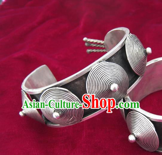 Chinese Miao Sliver Ornaments Bracelet Traditional Hmong Bangle Accessories for Women