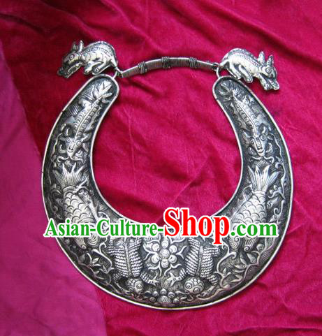 Chinese Traditional Miao Sliver Ornaments Carving Longevity Lock Traditional Hmong Sliver Necklace for Women