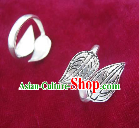 Chinese Miao Sliver Ring Ornaments Traditional Hmong Sliver Leaf Finger Rings for Women