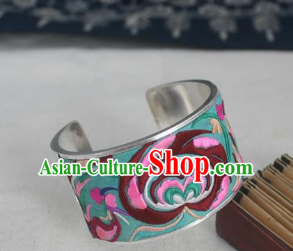 Handmade Chinese Miao Nationality Embroidered Green Bracelet Traditional Hmong Sliver Bangle for Women