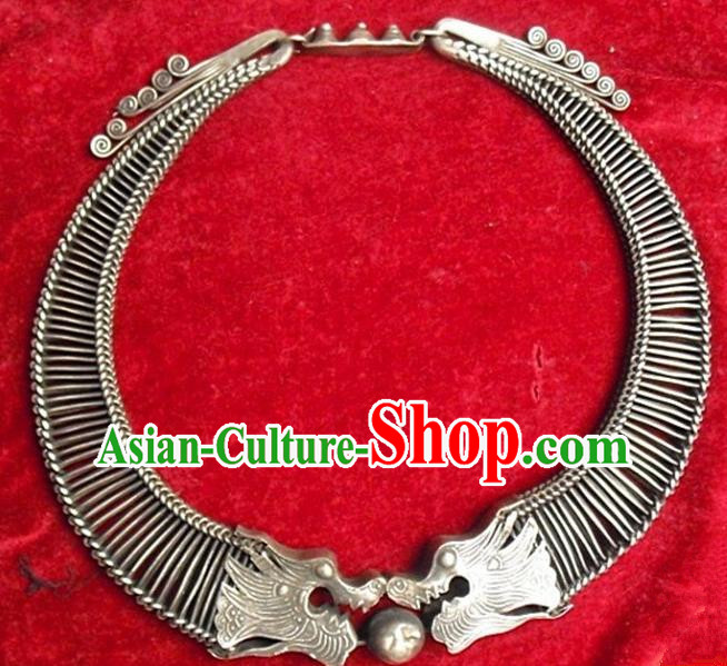 Chinese Traditional Ornaments Accessories Ancient Miao Minority Sliver Necklace for Women