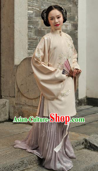 Chinese Ancient Ming Dynasty Princess Costume Embroidered Blouse and Skirt for Women