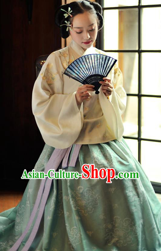 Chinese Ancient Ming Dynasty Princess Costume Embroidered Yellow Blouse and Green Skirt for Women