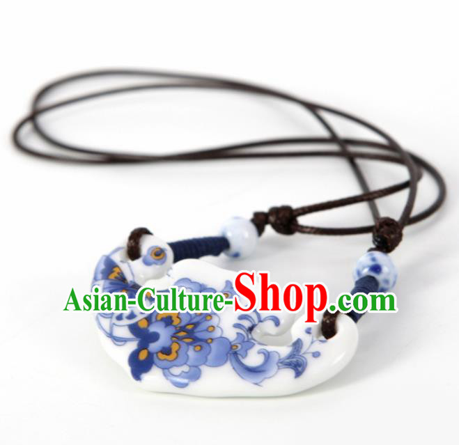 Top Grade Chinese Handmade Printing Blue Peony Jingdezhen Ceramics Necklace for Women