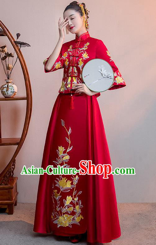 Chinese Traditional Embroidered Pomegranate Wedding Costume Bridal Xiuhe Suit Ancient Bride Red Cheongsam for Women
