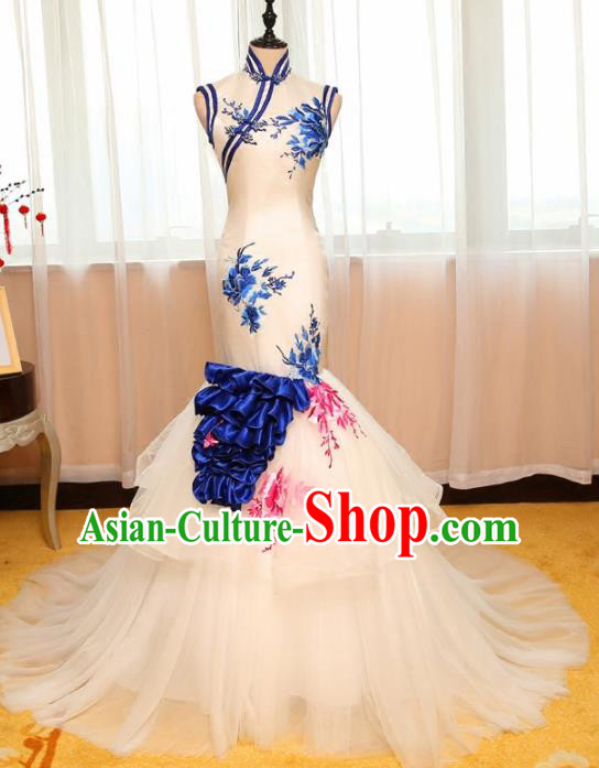 Chinese Traditional Catwalks White Veil Cheongsam Compere Chorus Costume for Women
