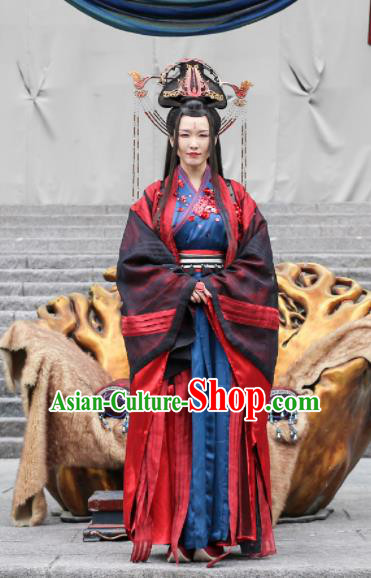 Chinese Ancient Female Castellan Swordswoman Embroidered Costumes and Headpiece for Women