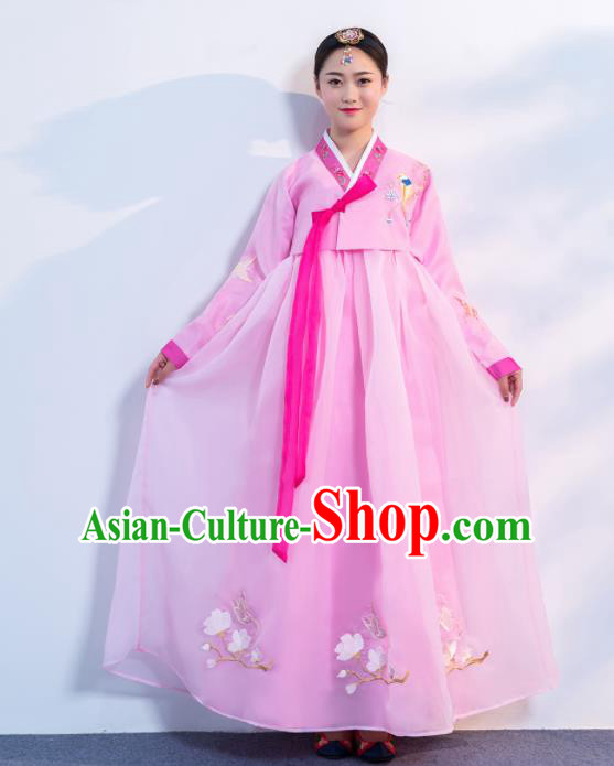 Asian Korean Traditional Costumes Korean Hanbok Pink Embroidered Blouse and Skirt for Women