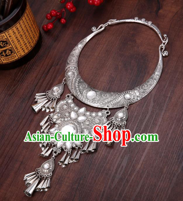 Chinese Traditional Jewelry Accessories Miao Nationality Minority Wedding Carving Necklace for Women