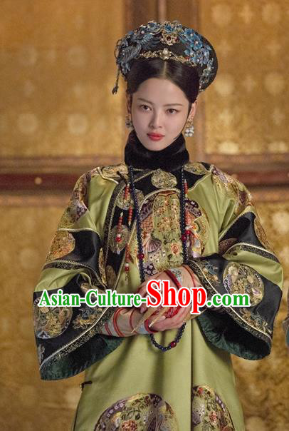 Ancient Chinese Qing Dynasty Manchu Imperial Concubine Embroidered Costumes and Headpiece for Women